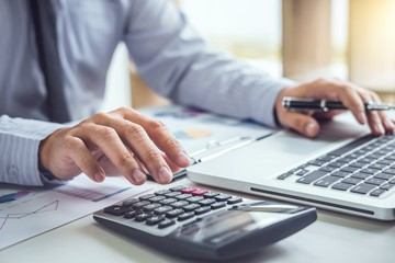 Stop Trying to Do It All – Hire an Accountant!